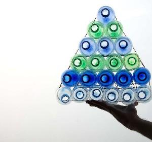 74bottigliepiramide.jpg